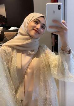 Kebaya Hijab, Kebaya Dress, Batik Fashion, Girl Fashion, Womens Fashion, Stylish Dress Designs, Stylish Dresses, Hijab Fashion Inspiration, Style Inspiration