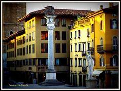 Finestre in Piazza Liberta' by Simonetta  Menta