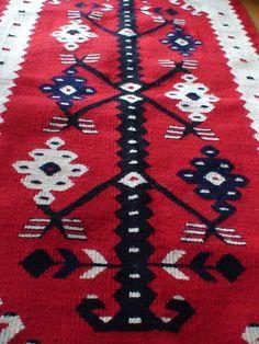 Чипровско килимче тъкано на ръка