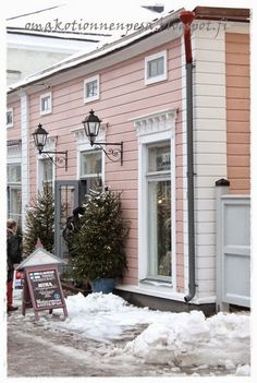 Porvoo Old Town in Winter Pink Houses, Old Houses, Dream House Exterior, Building Materials, Log Homes, Old Town, My Dream Home, Contemporary Design, Beautiful Places