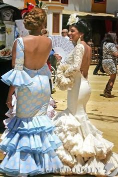 One of the few national costumes which has its own fashions and changes every year. The Jerez Fair in Andalucía Spain, you should join this Festival at least once. Spanish Dress, Spanish Style, Folk Costume, Costumes, Costume Ethnique, Spanish Culture, Spanish Fashion, Mermaid Gown, Belly Dancers