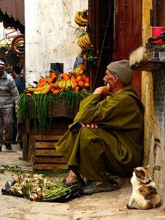 vendedor de frutas, Marrocos East Africa, North Africa, Marrakech, Fes Medina, Persian Decor, Morocco Travel, Moroccan Style, People Of The World, Portrait Art