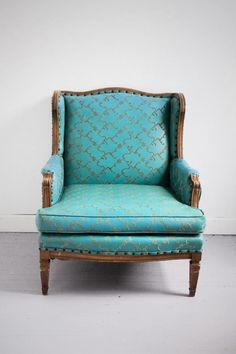 I would ♥ to have this chair!!!!!