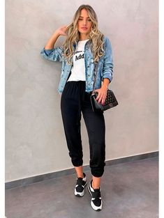 Amazing Casual Denim Jacket For You In 2020 ~ Magazzine Fashion Spring Outfits, Trendy Outfits, Cute Outfits, Girl Fashion, Fashion Looks, Fashion Outfits, Womens Fashion, Casual Looks, Ideias Fashion