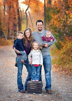 Family photography > Family pose love the fall colors and the comfortable look of clothes