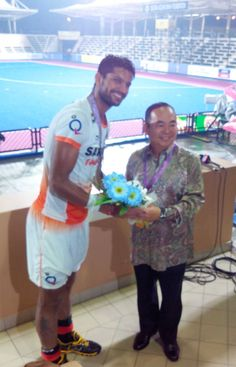 Here is Rupinder Pal Singh receiving the Man of the Match award for scoring 4 goals in the last match against Bangladesh at Asia Cup, Malaysia. Photo by s2h reporter. Man Of The Match, The Man, Asia Cup, Michael Jordan, Wrestling, Football, Events, Goals, Indian