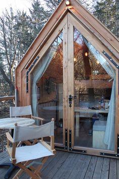 Tiny House Cabin, Tiny House Living, Kit Homes Australia, Tent Platform, Tiny House Exterior, Backyard Office, River Cottage, Box Houses, Sauna