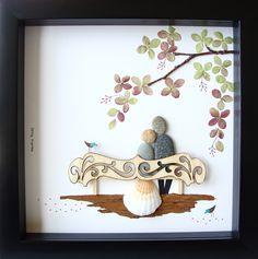 Einzigartige Hochzeitsgeschenk, einzigartiges Engagement Geschenk, personalisiert paar Geschenk, Braut und Bräutigam Geschenk, Hochzeitsgeschenk, des Paares Geschenk Liebe Geschenke, Kiesel Art zu feiern und schätzen den besonderen Anlass; ein außergewöhnliches Geschenk, die für viele Jahre geschätzt werden wird.  ✿ Original Kiesel-Art mit einem Sinn für Romantik, Geheimnis und Magie. ✿ Kommt in 8 x 8 Zoll schwarz Shadow-Box-Stil-Rahmen, etwa 1,5 Zoll tief. Kommt mit Glas. ✿ Kommt von mir…