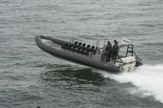 Bateau militaire hors-bord / bi-moteur / bateau pneumatique / à console centrale Waverider 1060 GEMINI