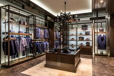 Le boutique Canali a pechino raggiungono quota nove con la nuova apertura si 260 mq all'interno di China World. http://www.sfilate.it/237232/boutique-canali-pechino-raggiungono-quota