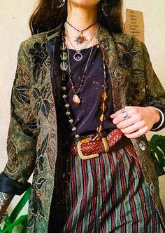 Aesthetic Fashion, Look Fashion, Aesthetic Clothes, Fashion Outfits, Hippie Fashion, 80s Fashion, Winter Fashion, Look Hippie Chic, Look Boho