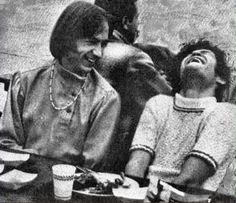 This is a wonderful photo!... Peter Tork, Micky Dolenz, The Monkees.