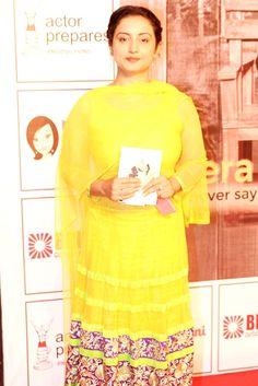 Divya Dutta at Anupam Kher's play. Neena Gupta, Divya Dutta, Anupam Kher, Prachi Desai, Latest Pics, Bollywood Fashion, Beautiful Actresses, Celebs, Actors