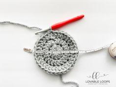 Super Bulky Crochet Hat Pattern (free & easy) | Chunky Crochet Hat Basic Crochet Beanie Pattern, Chunky Crochet Hat, Beanie Knitting Patterns Free, Beanie Pattern Free, Crochet Round, Crochet Blanket Patterns, Crochet Hats, Free Crochet, Crochet Pattern