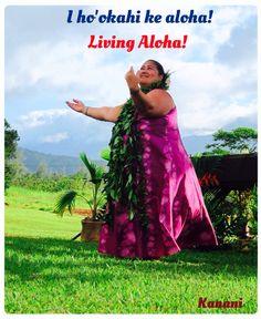Kumu dancing the Hula for the healing and love of the Aina. Hawaiian People, Hawaiian Dancers, Aloha Hawaii, Hawaii Travel, Hawaiian Phrases, Hawaiian Sayings, Hawaii Quotes, Polynesian Dance, Hula Dancers
