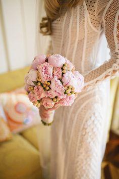 buquê de peônias rosas para noivas