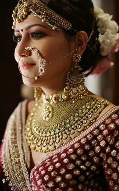 bridal jewelry for the radiant bride Indian Bridal Outfits, Indian Bridal Makeup, Bridal Makeup Looks, Indian Bridal Fashion, Indian Wedding Jewelry, Indian Jewelry, Bride Makeup, Indian Weddings, Bridal Necklace