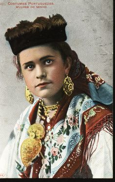Vintage portuguese postcard. Traditional nothern costume