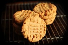 4-ingredient peanut butter cookies: 1 cup peanut butter, 1 cup sugar, 1 egg, and I teaspoon vanilla. 350 degrees at 10 min.