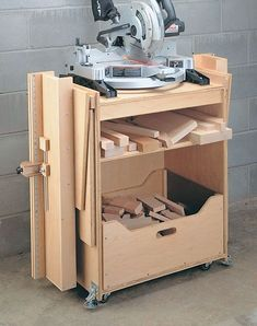 A miter saw station plan - DIY, Woodworking, Wood Craft, Garage, at the shop Woodworking Bench, Fine Woodworking, Woodworking Projects, Woodworking Shop Layout, Woodworking Basics, Woodworking Machinery, Diy Wood Projects, Wood Crafts, Diy Crafts