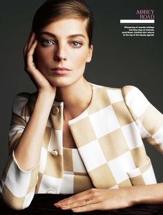 Daria Werbowy by Victor Demarchelier for Stylist Magazine 'Bringing sixties back' Editorial - April 2013 Daria Werbowy, Beauty Editorial, Editorial Fashion, Beauty Photography, Fashion Photography, Photography Women, Fashion Models, Fashion Beauty, Fashion Shoot