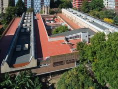 Escuela Della Penna / 1965 /  Arq. Juan Manuel Borthagaray Arq. Caparrós Arq. Stornik Arq. Valverde