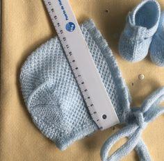 Blog Abuela Encarna Baby Hats Knitting, Knitted Hats, Crochet Girls, Knit Crochet, Baby Booties, Baby Photos, Mittens, Knitting Patterns, Cross Stitch