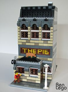 "Lego modular pub: ""THE PIG"" 