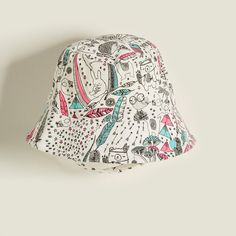 BEATS Organic Cotton Baby Girl Sunhat - Pink. British designed unisex baby and kids fashion clothing brand for stylish little ones. The bonnie mob ship worldwide from the UK.
