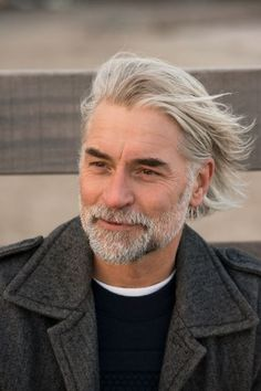 Cool Ideas forOlder Men Hairstyles Layered_long_hair_thick_bread_4