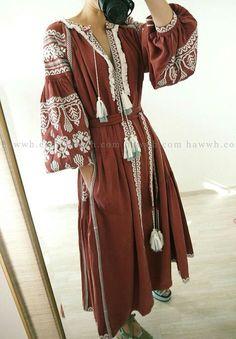 Ukrainische Vyshyvanka Vita Kin Stil bestickt lange Kleid-Burgund