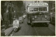 Volkswagen Bus, Vw Camper, Porsche 356, Vespa, Public Transport, Beetle, Antique Cars, Past, Nostalgia