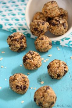 No-Bake Energy Bites - a nutritious and wholesome snack for your whole family! Low in fat, gluten free and vegan, and packed with fiber and omega-3's