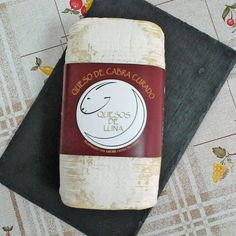 Queso de Luna CuradoQueso curado de cabra.Premiado con la Medalla de bronce en los World Cheese Awards 2016 Queso, Convenience Store, Goats, Bronze, Convinience Store