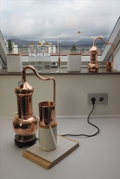 Tips And Strategies For essential oil distillation kit Moonshine Distillery, Gin Distillery, Making Essential Oils, Pure Essential Oils, Homemade Moonshine, Distilling Alcohol, Wine Glass Shelf, Essential Oil Distiller, Copper Still