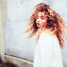 Ella Eyre hair inspiration - I wish I could rock this look.
