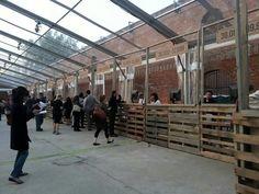 Use of pallets for Brooklyn Half Marathon participants.