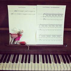 15 dicembre: la musica del mio natale. Ecco l\'arrangiamento di Last Christmas che ho fatto per i miei allievi di tastiera, è indubbiamente questa la colonna sonora delle mie feste 2013. Anche se, come dice un\'altra bellissima canzone, \