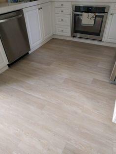 Vinal Plank Flooring, Allure Vinyl Plank Flooring, Waterproof Vinyl Plank Flooring, Engineered Vinyl Plank, Vinyl Flooring Kitchen, Luxury Vinyl Tile Flooring, Modern Flooring, Luxury Vinyl Plank, Living Room Flooring