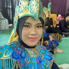 Another traditional dancer make up