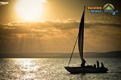 Monday is the perfect day to start your trip! Which is your dream destination? #travel #vacation #sailing