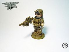 Inspired by the first Medal of Honor: Warfighter trailer, KalSkirata has created these two US Navy SEAL Custom Minifigures. Lego Custom Minifigures, Lego Minifigs, Lego Technic, Legos, Lego Soldiers, Lego Boards, Us Navy Seals, Lego Mechs, Lego Room