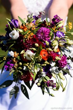 Vibrant fall bouquet | April and Bryan Photography