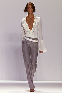 Carolina Herrera Spring 2002 Ready-to-Wear