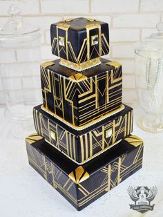 black, gold, great gatsby, art deco wedding cake