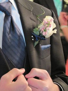 DIY prom boutonniere