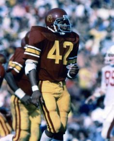 Ronnie Lott USC Trojans Football - Events in World College Football Players, Football Gear, Football Outfits, Football Helmets, Ronnie Lott, Usc Trojans, Sports Photos, Mens Tees, Lab