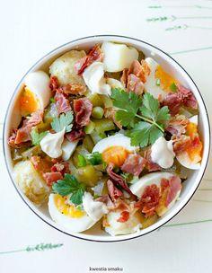 Sałatka ziemniaczana z jajkiem i ogórkiem kiszonym