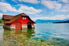 Red house by the lake by Thierry Hennet on 500px