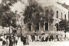 1905. La Fábrica Gal en la calle Ferraz En el número 25 de la calle Ferraz, esquina a la de Quintana, se inauguró en 1899 el primer establecimiento de esta fábrica en Madrid